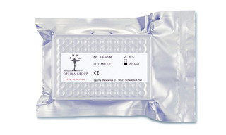 Microplate pouch package including label